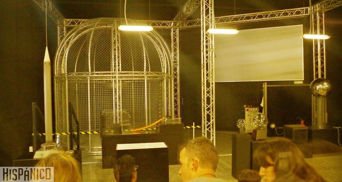 ciudad-de-las-artes-y-las-ciencias-teatro-electricidad