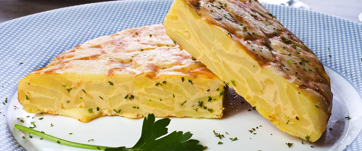 TORTILLA HISZPAŃSKA - Przepis na tortillę z warzywami i krewetkami // Hispanico.pl