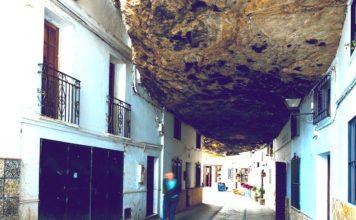Setenil de las bodegas - miasto wykute w skale   Andaluzja, Hiszpania // Hispanico.pl