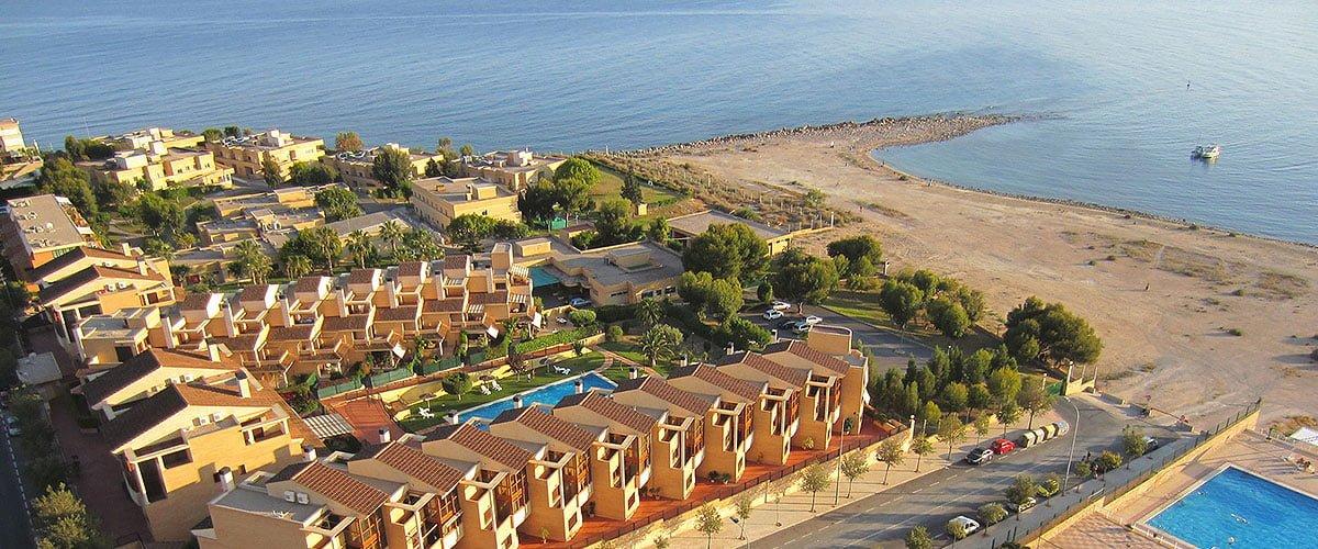 Plaże w Alicante - Odkryj najlepsze plaże miejskie i pół-miejskie // Hispanico.pl
