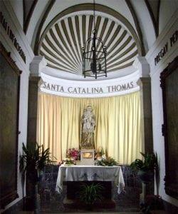 Kapliczka wybudowana w miejscu, w którym urodziła się Catalina Tomàs // Hispanico.pl