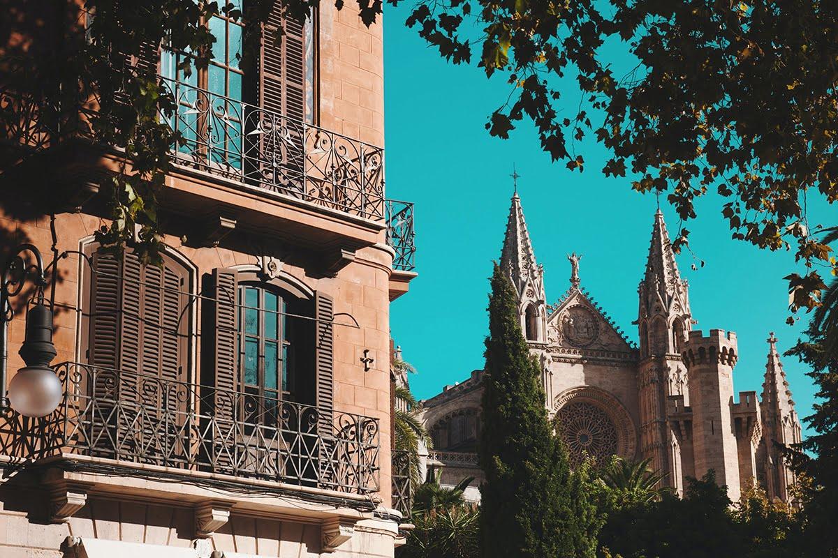 Rozpoczęcie budowy katedry La Seu w Palma de Mallorca miało miejsce w 1229 roku.