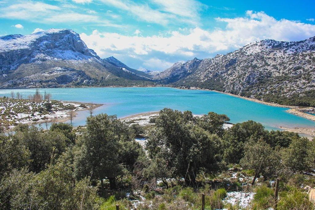Jezioro Embassament de Cuber w górach Serra de Tramuntana, Majorka