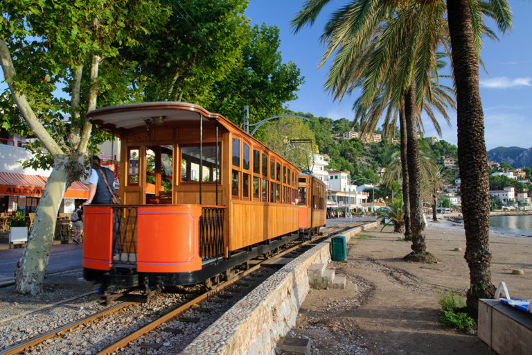 Port de Sóller – Miasto pomarańczy na Majorce