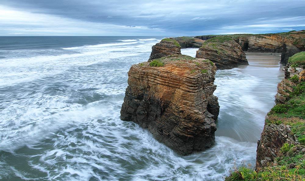 Playa de las Catedrales - Tajemnicza Plaża Katedr w Galicji (Hiszpania)