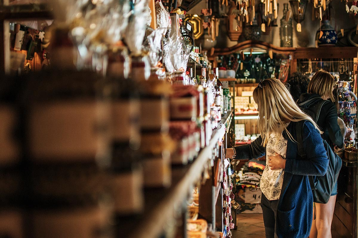Ciekawe sklepy z pamiątkami w Hiszpanii często znajdują się na uboczu, z dala od ścisłych centrów turystycznych