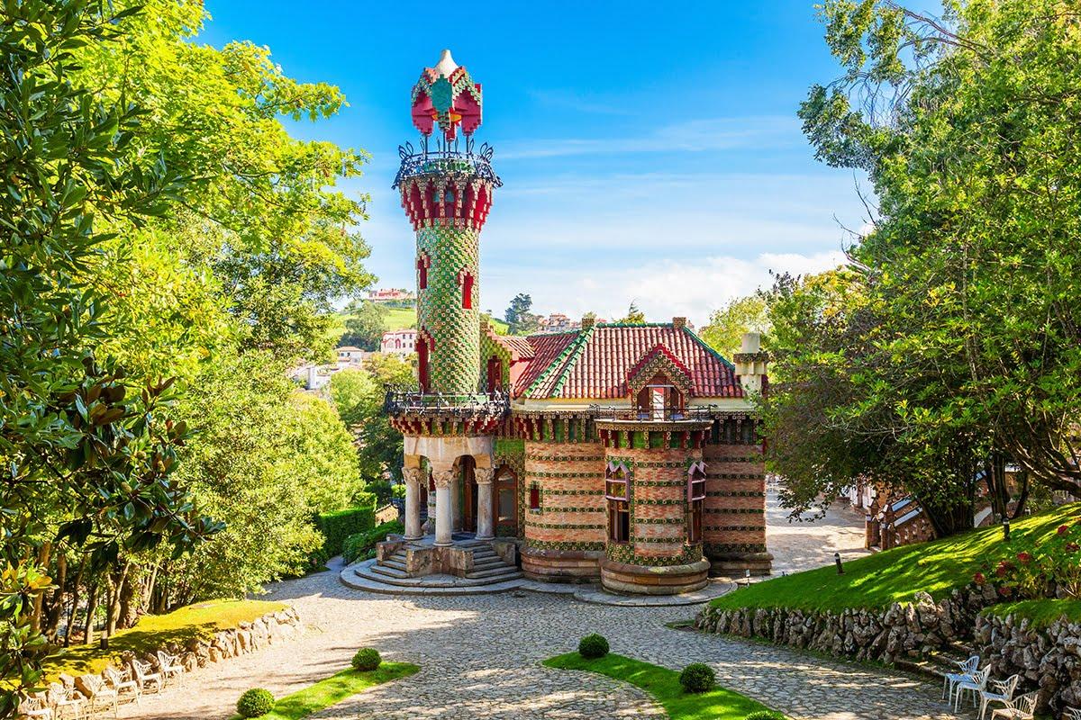 El Capricho de Gaudi - Zabytek Gaudiego w Kantabrii