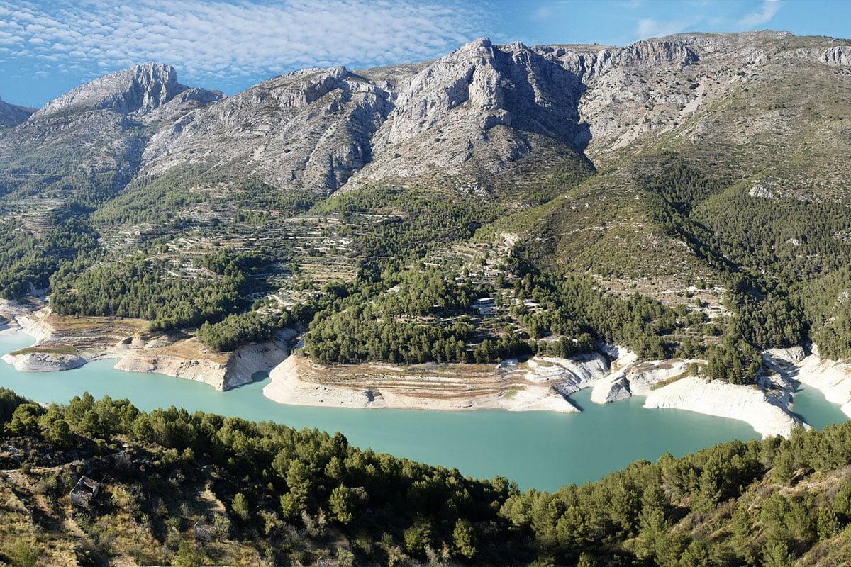 Dolina Guadalest słynie z bardzo malowniczych krajobrazów.