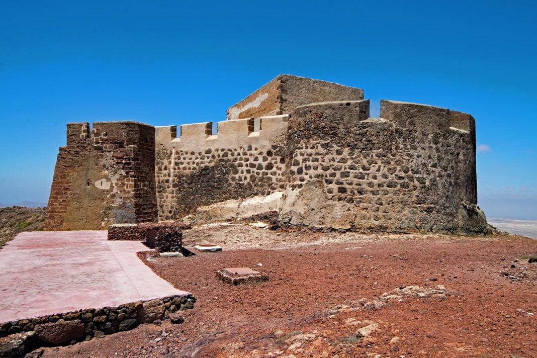 Castillo de Santa Bárbara i Muzeum Piratów na Lanzarote