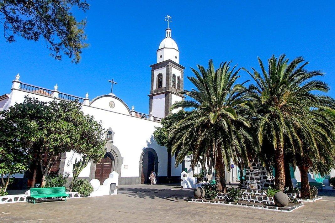 Iglesia de San Ginés - Zabytkowy kościół w stolicy Lanzarote