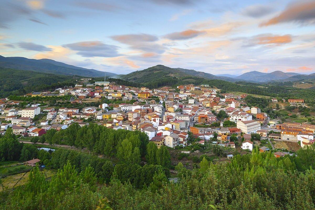Panorama miasteczka Pinofranqueado, Las Hurdes
