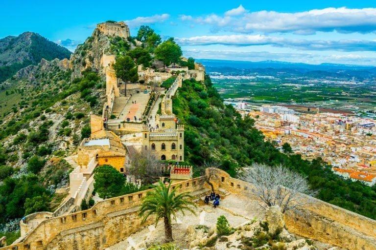 Xàtiva – Majestatyczny zamek, starówka i inne zabytki do zwiedzenia